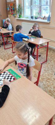 Świetlicowy turniej gry w warcaby